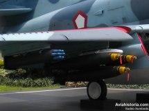 Persenjataan serang darat berupa roket dan bom Mk 82