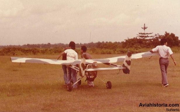 Persiapan terbang bagi drone RS-3100.