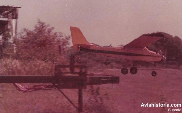 XTG-1 lepas landas menggunakan sistem ketapel.