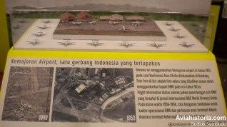 Minatur bandara dan berbagai pesawat yang singgah di Kemayoran tahun 1955.