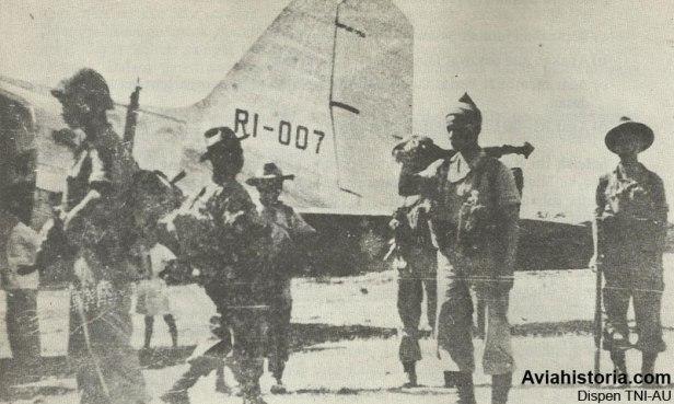 penerbangan-perdana-indonesian-airways-4
