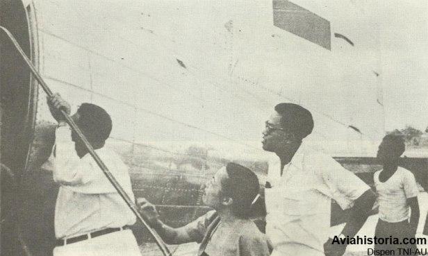 penerbangan-perdana-indonesian-airways-5