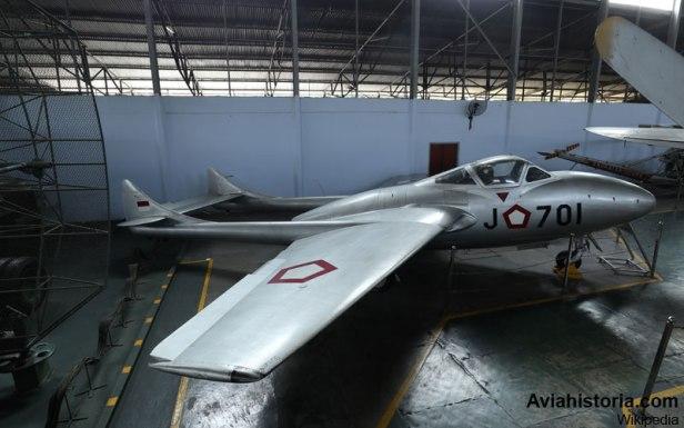 Vampire-Tipe-Pesawat-Jet-Pertama-di-Indonesia-4