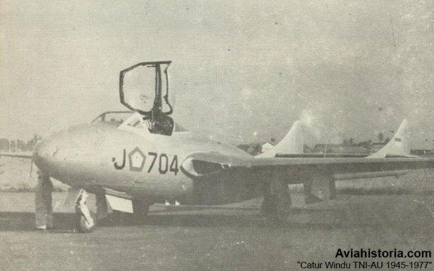 Vampire-Tipe-Pesawat-Jet-Pertama-di-Indonesia-2