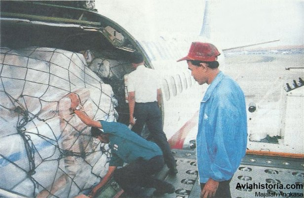 Pengabdian-Singkat Boeing-737-200C-Garuda-Cargo-3